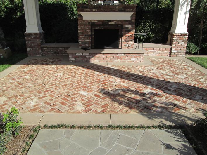 AWESOME BRICK CLEANING & RESEALING PICTURE
